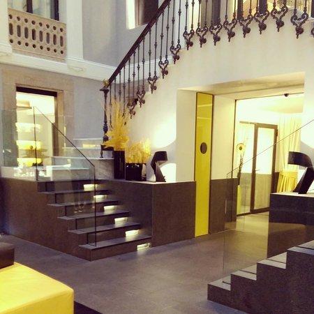 H10 Urquinaona Plaza Hotel: Hotel Lobby
