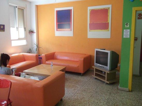 Indigo Youth Hostel: coin salon +TV