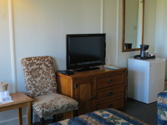 Provincetown Inn Resort & Conference Center: Waterview Inn room