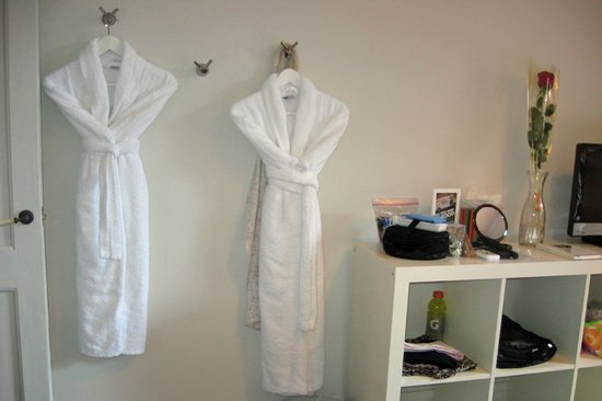 Quadrat d'Or Chic Rooms: Bathrobes were provided
