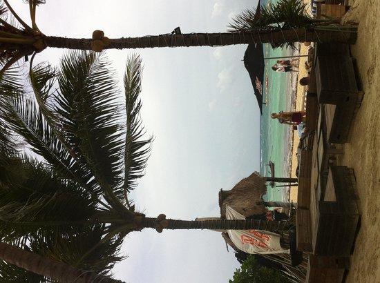 Zenzi Beach Bar & Restaurant: Zenzi beach