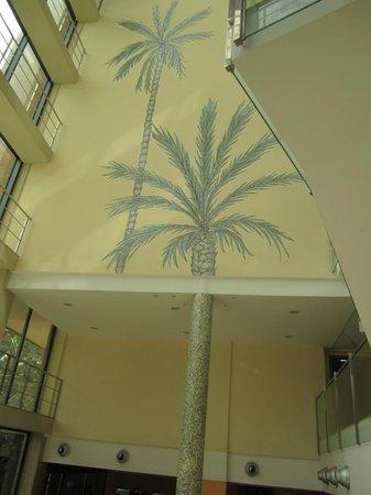 California Palace: Вид внутри отеля