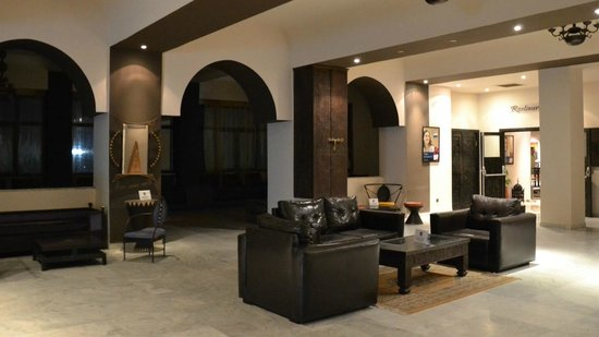 Hotel Oasis : Foyer