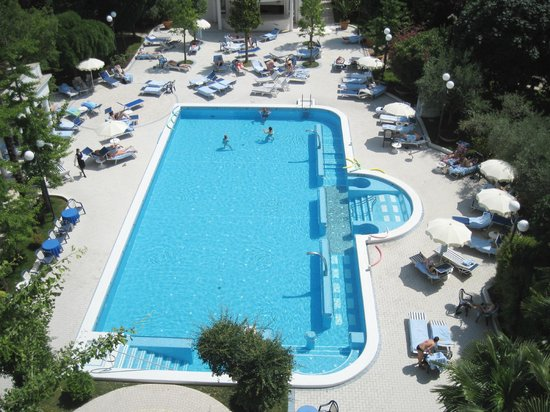 Hotel La Residence & Idrokinesis: una delle 3 piscine