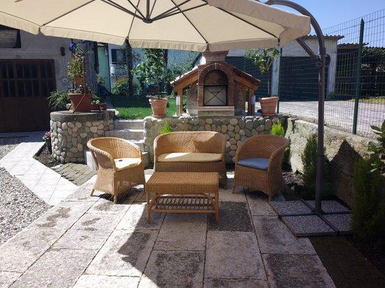 B&B Pozzo dei Desideri: patio