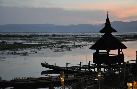 Myanmar Treasure Inle Lake : บรรยากาศยามเย็น