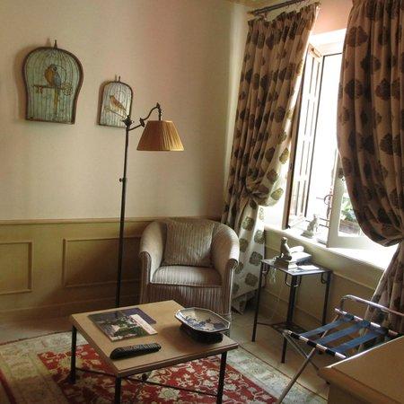 Hotel Le Saint Paul : Sitting area room 20