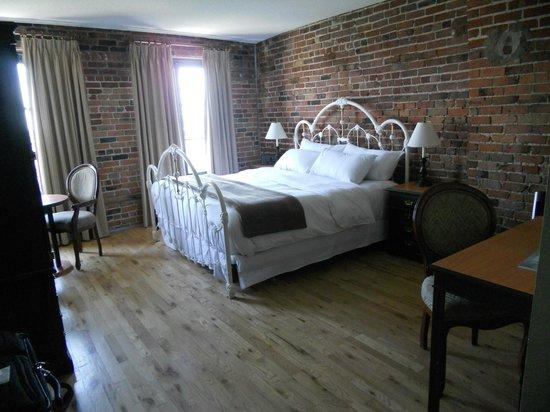 Auberge du Vieux-Port: Beautiful Room