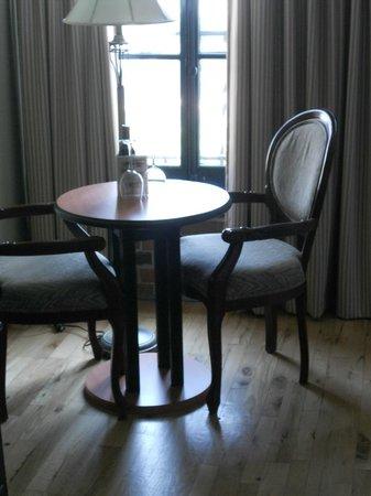Auberge du Vieux-Port: Come, sit, enjoy