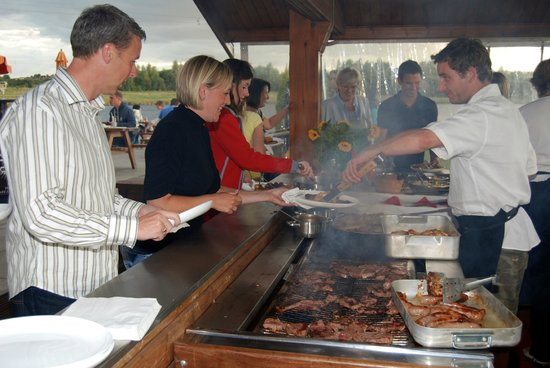 Sheffield Cable Waterski : Our Barbeque Area - BBQ service