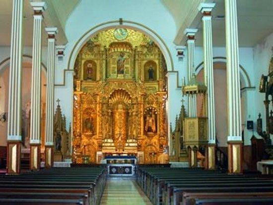 Casco Viejo: Iglesia de San Josè con su famoso altar de oro
