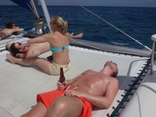 Calabaza Sailing Cruises: Cold cold beer