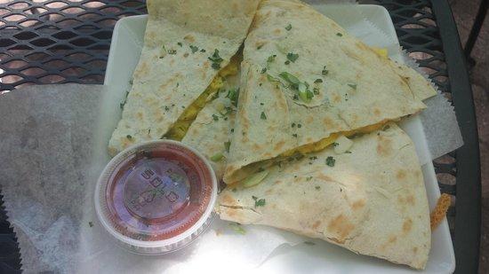 Indian Gardens Cafe & Market: Breakfast Quesadillas