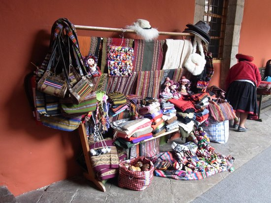Hotel Costa Del Sol Ramada Cusco: 中庭