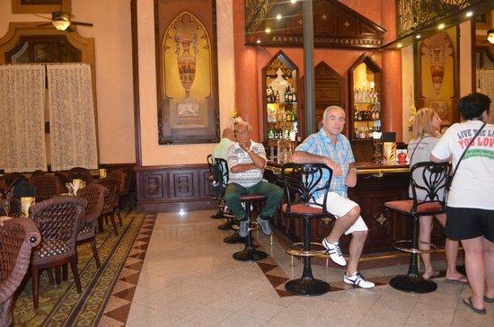Hotel Riu Palace Punta Cana : bar interno