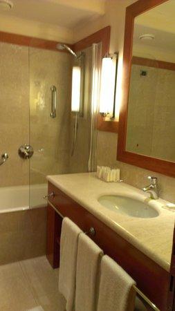 Starhotels Metropole: Bathroom
