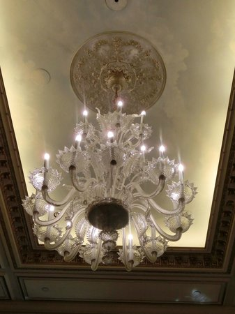 Le Cinq : Venetian chandelier