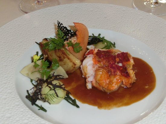 Le Cinq : Plated lobster
