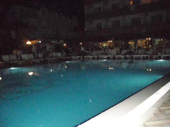Grand Viking Hotel : *