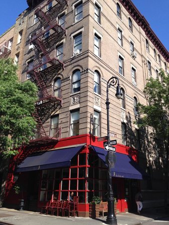 Real New York Tours: The friends building