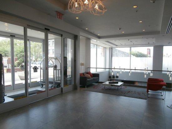 Fairfield Inn & Suites New York Brooklyn: Salon,entrée