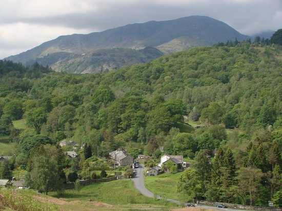 YHA Langdale: The views while walking up the hill towards the hostel