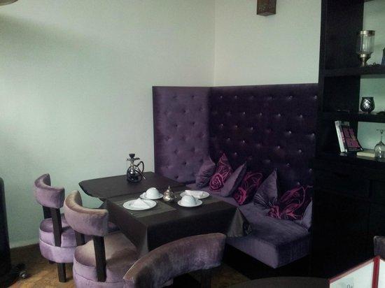 Ryad Amiran: Patio interior