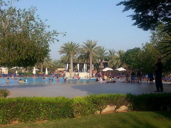 Miramar Al Aqah Beach Resort: The beautiful pool