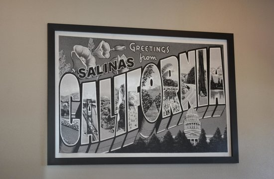 Super 8 Salinas : Welcome Sign