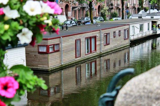 Houseboat Linda