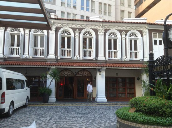 Village Hotel Albert Court by Far East Hospitality: Front