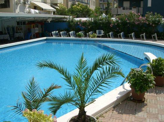 Hotel Mauritius: Piscina hotel