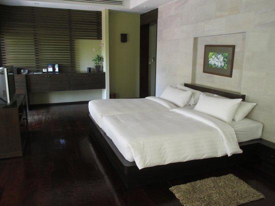 Villa Zolitude Resort and Spa: De slaapkamer: een bed voor 4 als het moet!