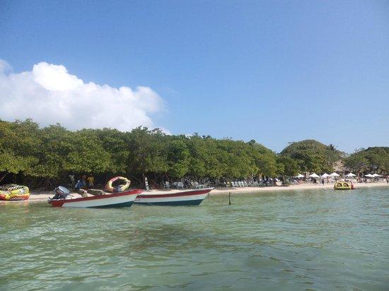 Tours en Islas del Rosario: isla del encanto