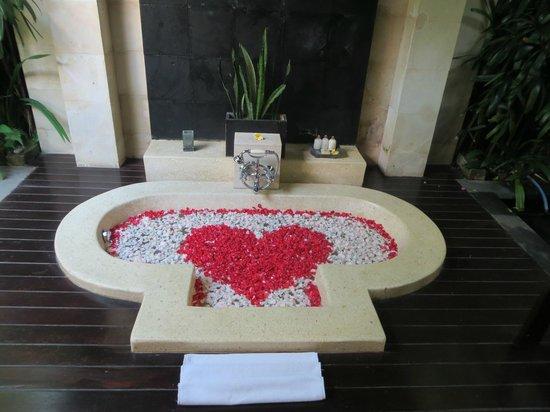 The Ubud Village Resort & Spa: Open-Air Badezimmer