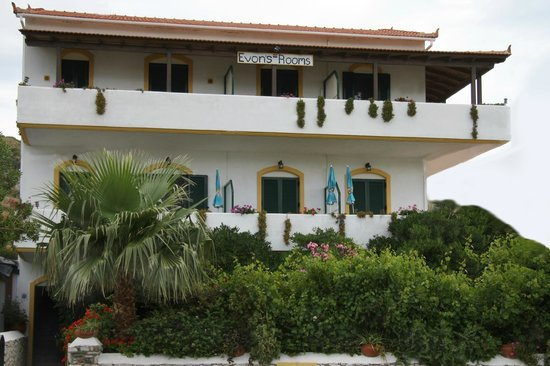 Photo of Evon's Rooms Ikaria