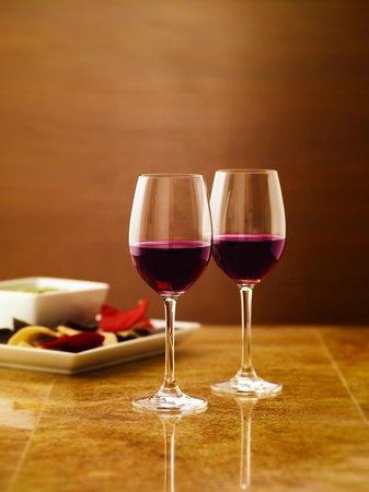 Hyatt Place Phoenix/Gilbert: red wine