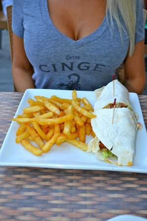 8th Ave Tiki Bar & Grill: Chicken Schnitzel Wrap