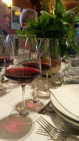 Castello di Verrazzano : Wine tasting!!