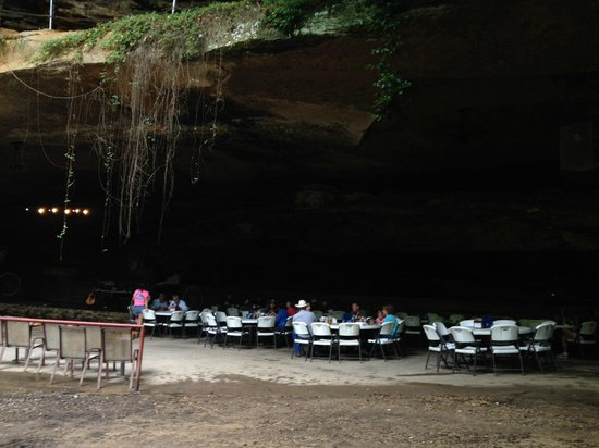 Tuscumbia (AL) United States  city photos gallery : More Cave Picture of Rattlesnake Saloon, Tuscumbia TripAdvisor