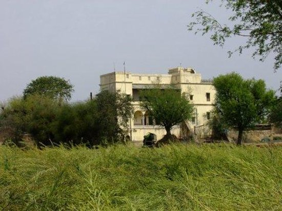 Dera Mandawa: getlstd_property_photo