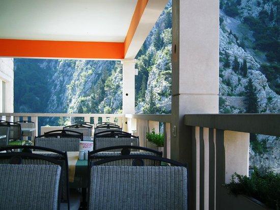 Hotel Villa Dvor: Restaurant