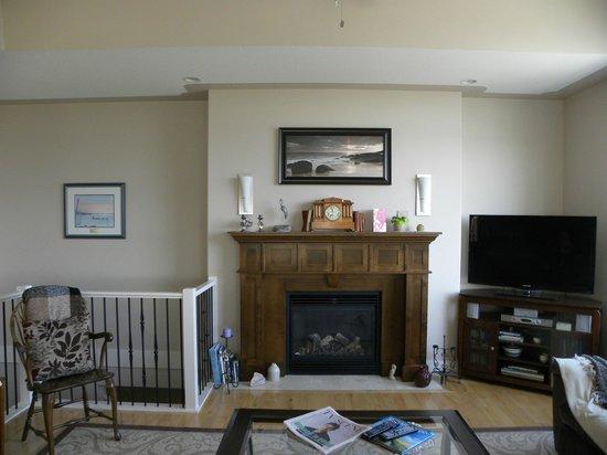 Hillcrest Ave Bed & Breakfast: Living Room