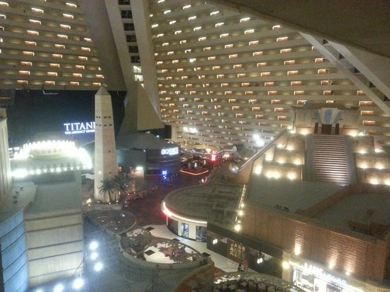 Luxor Las Vegas: on way to the lift