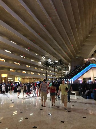 Luxor Las Vegas: check in