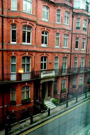 The Athenaeum Hotel & Residences: Vue de la chambre