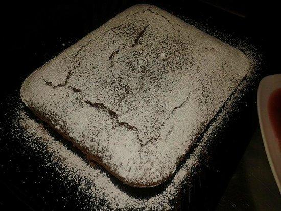 Osteria del Riccio: Torta con farina di castagne e cioccolato fondente