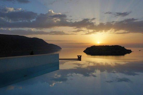 Blue Palace, a Luxury Collection Resort & Spa, Crete : sunrise over Spinalonga