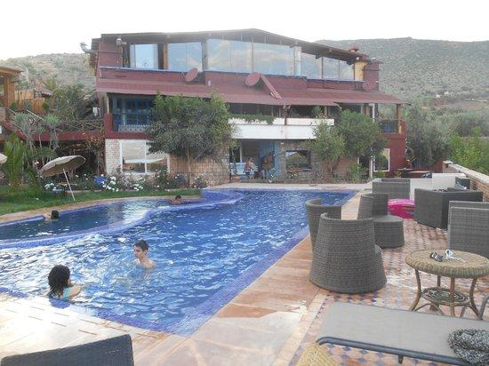 Hotel Bin el Ouidane : vue de la piscine