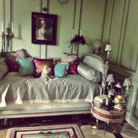 40 Winks: Master bedroom on the 2nd floor.